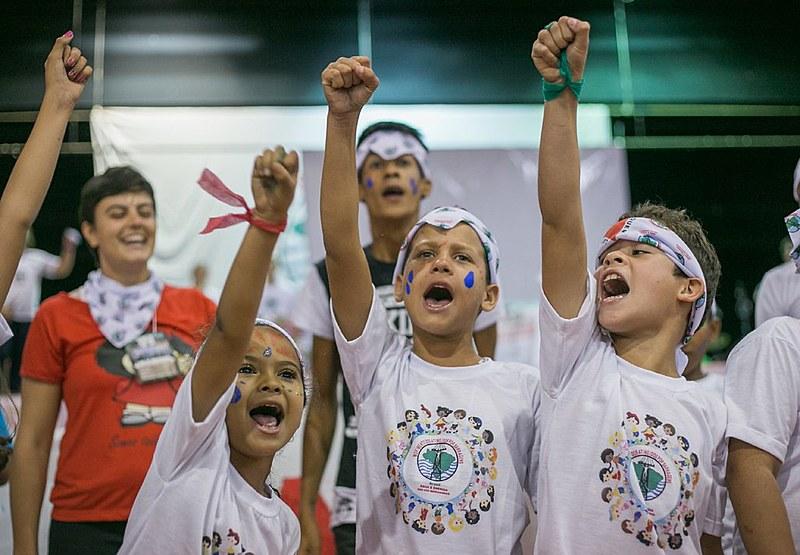 Mais de 30 crianças participaram do Encontro de Atingidos da Bacia do Rio Doce, em Mariana (MG)