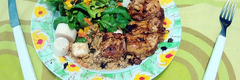 Ao preparar a própria comida, a pessoa pode escolher as quantidades de temperos, óleo, sal e gordura que irá consumir