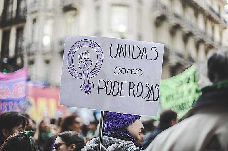 """A convocatória divulgada pelo """"Nenhuma a menos"""" critica também a reforma da previdência argentina e a reforma trabalhista brasileira"""