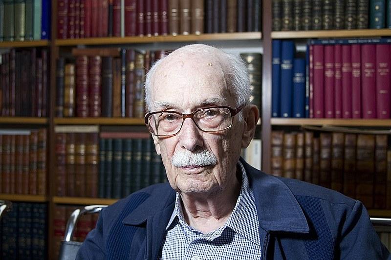 Professor aposentado da Universidade de São Paulo, faleceu nesta sexta-feira (12)