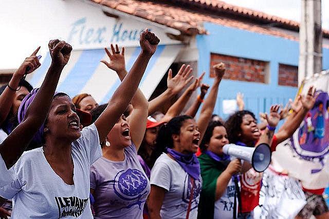 Mulheres preparam mobilização global no dia 8 de março