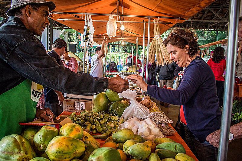 Mais 800 agricultores de 23 estados participam na feira no Parque da Água Branca, na capital paulista