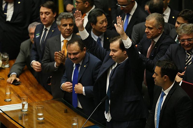 Rodrigo Maia agora vai ser badalado pela mídia conservadora e ganhará projeção nacional