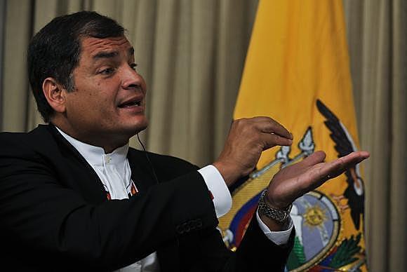 """Tudo indica que venceremos no segundo turno"", disse Correa"