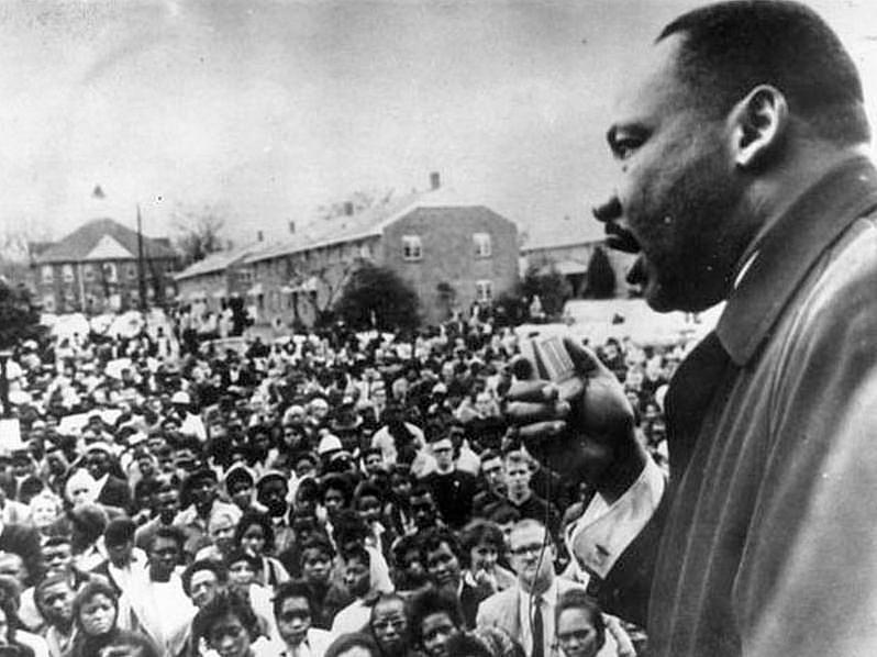 Martin L. King em discurso em 1958, em Shreveport, no estado estadunidense de Luisiana