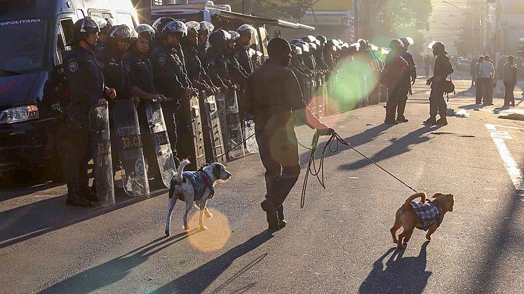 Operação policial conjunta entre governo do Estado e Prefeitura de SP na praça Princesa Isabel em junho de 2017