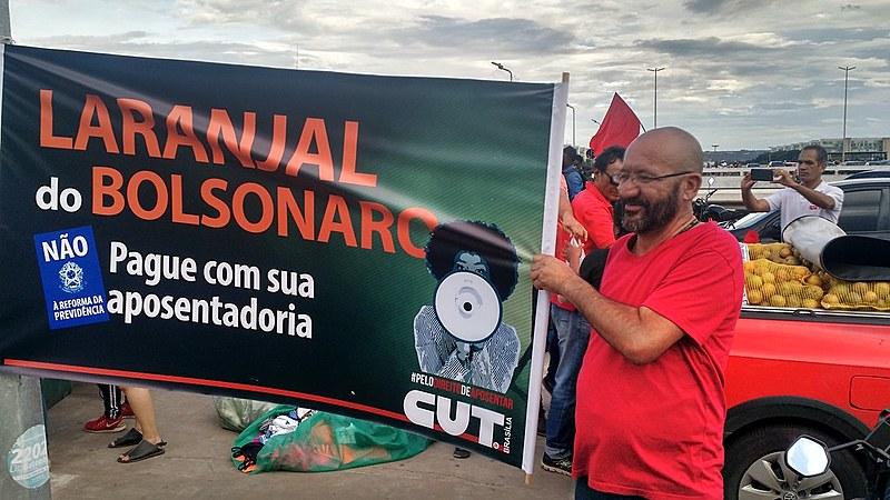 Atividade, parte do Dia Nacional de Mobilização contra a Reforma da Previdência, ocorreu na Rodoviária de Brasília