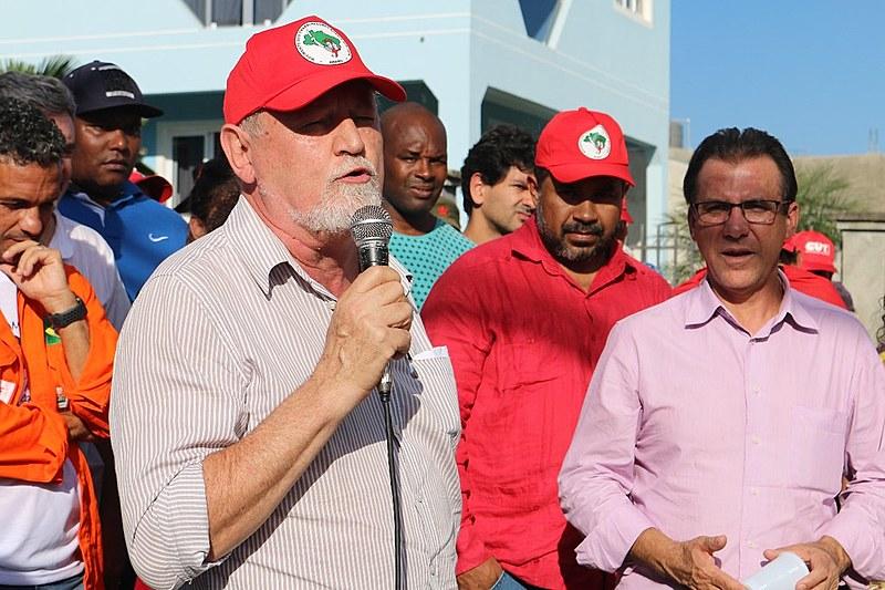 Dirigentes de movimentos da Frente Brasil Popular estiveram em Curitiba (PR) nesta segunda-feira (9)
