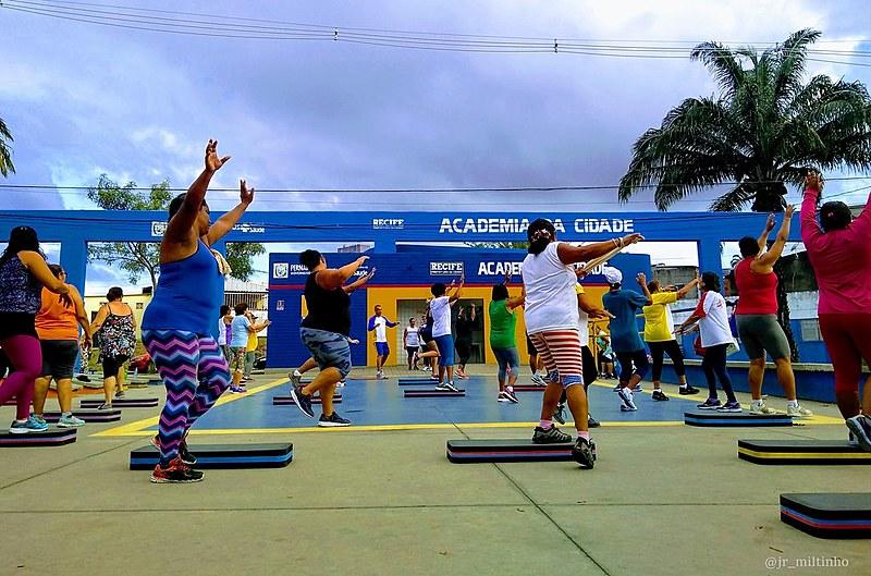 Desde 2002 a Prefeitura do Recife realiza o programa Academia da Cidade como promoção da atenção básica