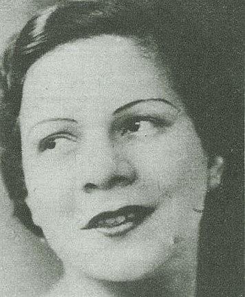 Considerada a primeira grande cantora popular brasileira, Araci Cortes foi praticamente a única a ter sucesso na década de 20