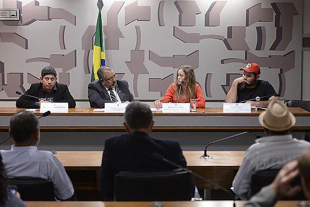 Violência contra trabalhadores do campo no Paraná foi tema de audiência pública na tarde desta terça-feira (2)