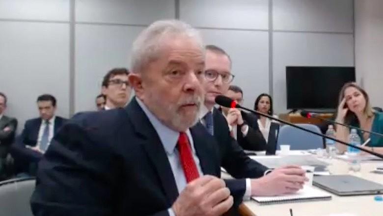 Ex-presidente Lula durante depoimento a então juíza da 13ª Vara Federal do Paraná, Gabriela Hardt, sobre caso do ''Sítio de Atibaia''.