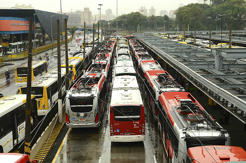 São Paulo terá paralisação de ônibus, metrôs e trens durante greve geral