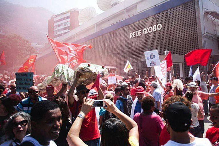 'Vale a fórmula fundamental de Brizola: na dúvida sobre qualquer tema, escolha o lado contrário da Rede Globo'