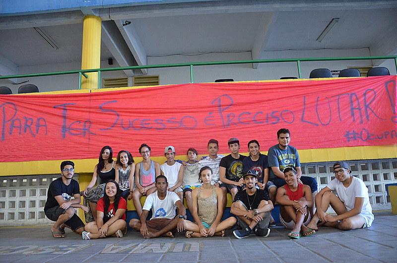 O movimento começou em 27 de abril, com os alunos do Centro de Atenção Integrada à Criança e ao Adolescente (Caic) Maria Alves Carioca