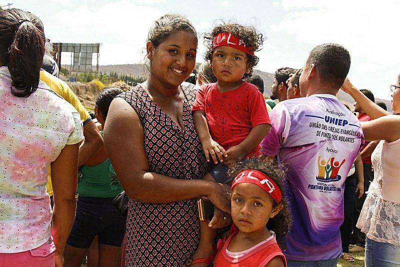 Keliane Rodrigues Barbosa é beneficiária do Bolsa Família na cidade de Ponto dos Volantes (MG)