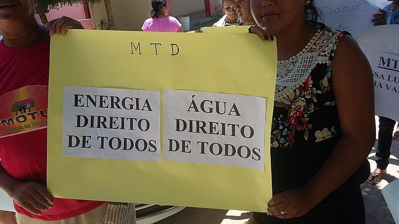 MTD organizou os lutadores por moradia na cidade de Triunfo, alto sertão paraibano, a protestarem junto à prefeitura da cidade.