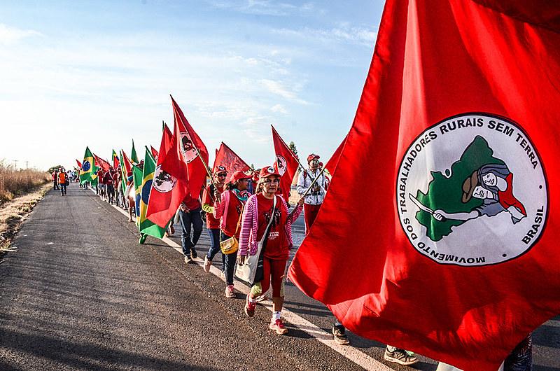 Movimento dos Trabalhadores Rurais Sem Terra existe desde 1984 e organiza mais de dois milhões de camponeses em todo o Brasil