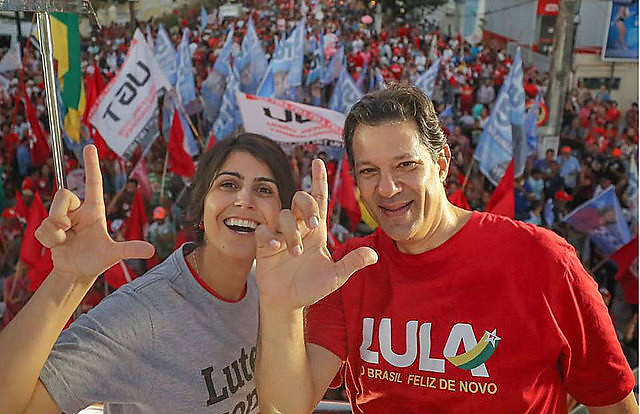 Ibope shows Workers' Party candidate Fernando Haddad (right) and his running mate Manuela D'Ávila had the best performance over last week