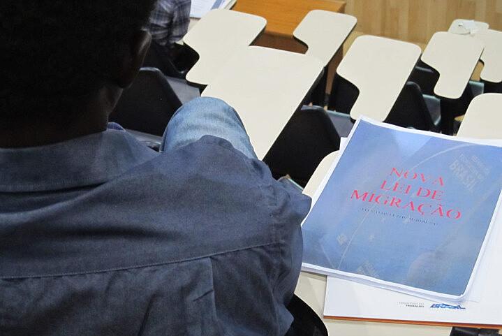 Migrante participa de debate sobre a Lei de Migração