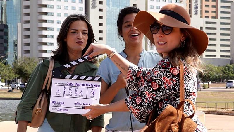 Luana Morena durante gravação do curta-metragem Queria Tanto Ter Nascido Mulher