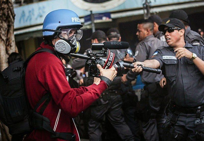 Agressões a jornalistas aumentaram 36% no Brasil entre 2017 e 2018, segundo dados da Fenaj
