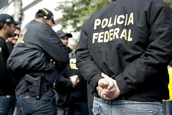 Policiais federais participam de operação de condução coercitiva do ex-presidente Lula