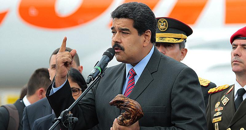Presidente Nicolás Maduro durante encontro com seu homólogo colombiano, Juan Manuel Santos, em 2015