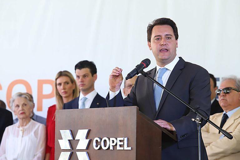 Governador Carlos Massa Ratinho Jr. participa da solenidade de posse do presidente da Copel, Daniel Pimentel Slaviero.