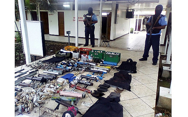 Policía Nacional divulgó imágenes de armamento encontrado dentro de la Universidad Nacional Autónoma de Managua, donde opositores se reunían