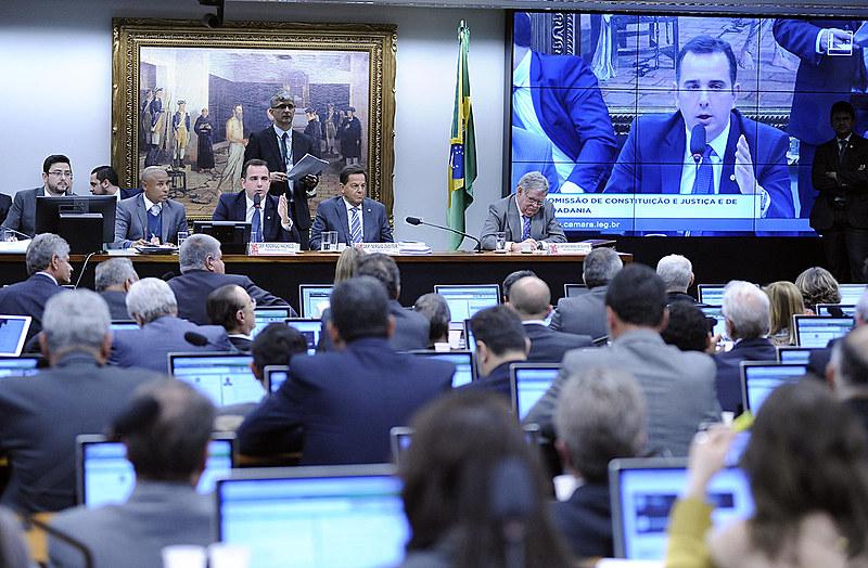 Comissão de Constituição e Justiça e de Cidadania da Câmara dos Deputados debate prosseguimento da denúncia contra Temer