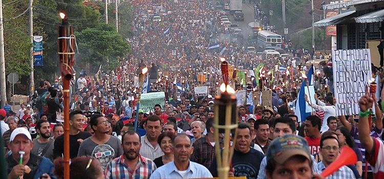 """Según Gilberto Rios, """"un ejemplo de ese cambio de política es el reciente asesinato de Berta Cáceres"""""""