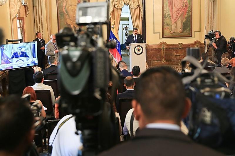 O presidente venezuelano concedeu uma entrevista coletiva aos meios de comunicação internacionais nesta sexta (8)