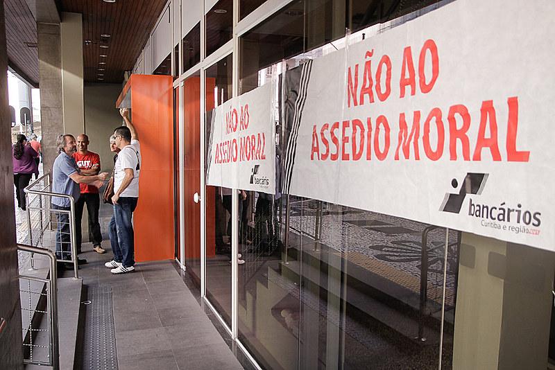 Ato contra o assédio moral no Itaú, realizado em 23 de setembro de 2015