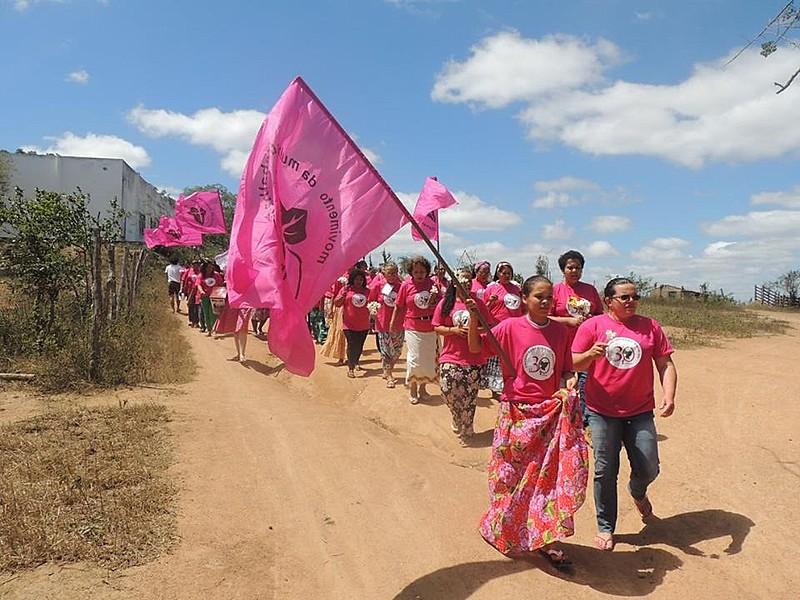Filme mostra o cotidiano de mulheres trabalhadoras rurais, em momentos de trabalho e mobilização coletiva