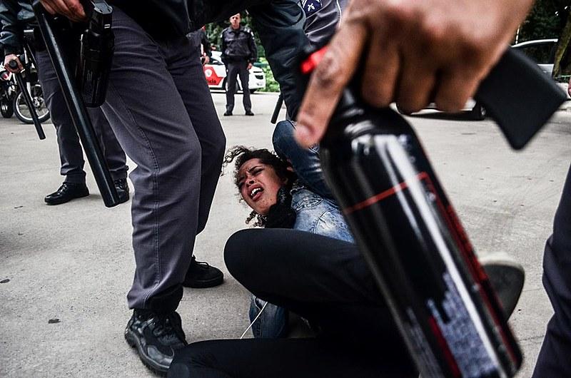 A estudante Tereza, de apenas 15 anos, foi agredida por policiais em SP