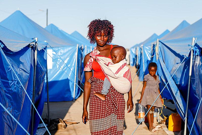 Após passagem do ciclone Idai, que destruiu parte do país, moçambicanos reiniciam vida em acampamentos temporários