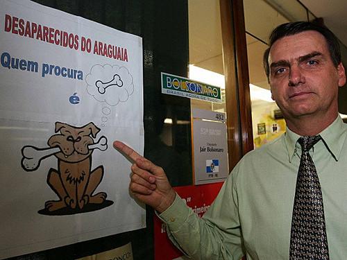 Bolsonaro encerra grupos responsáveis por   Direitos Humanos