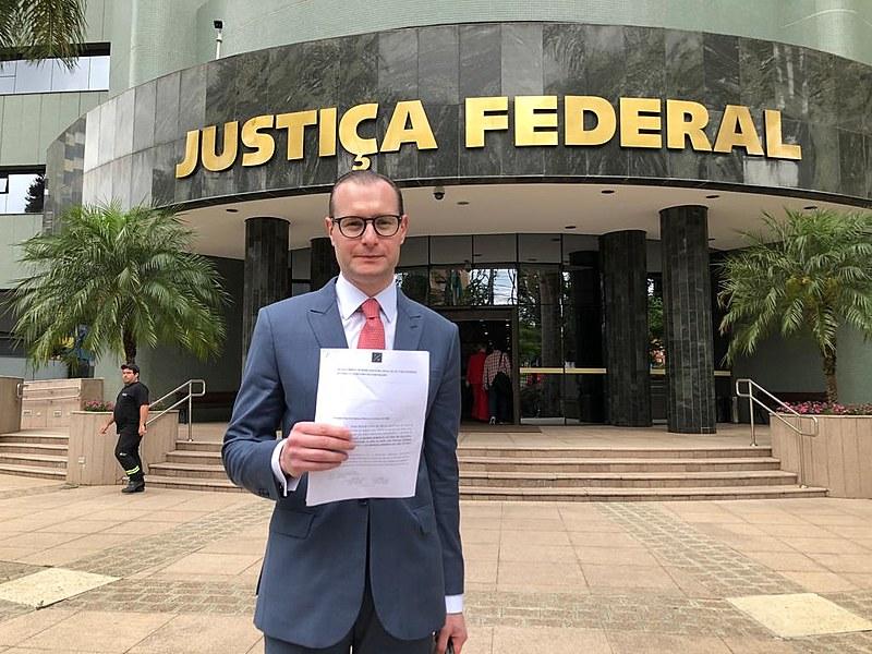 Cristiano Zanin participou de coletiva de imprensa na manhã desta sexta-feira (8)