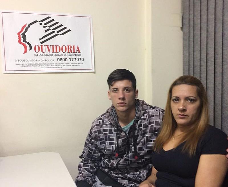 Rhunan Carlos dos Santos e Sueli Maria de Lima, namorado e mãe de Brenda, morta com tiro nas costas por um policial militar à paisana