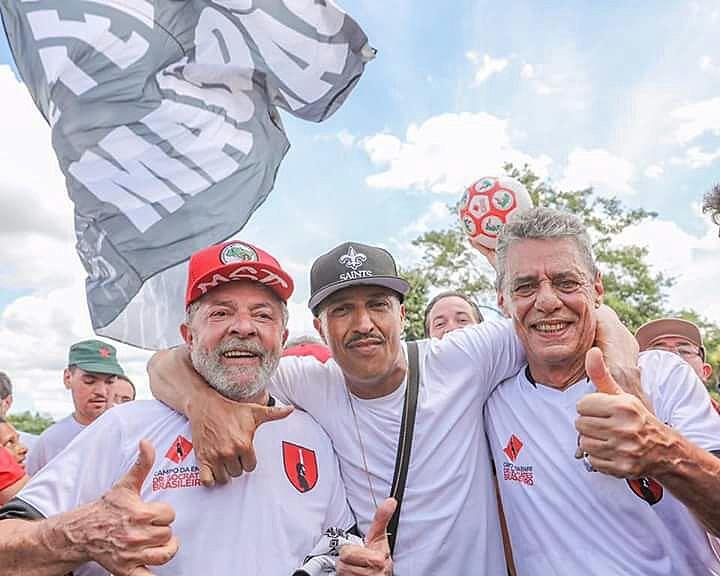 Foi um dia de festa que Sócrates Brasileiro mais do que merecia viver. Mesmo não estando por aqui, fez outros viverem.