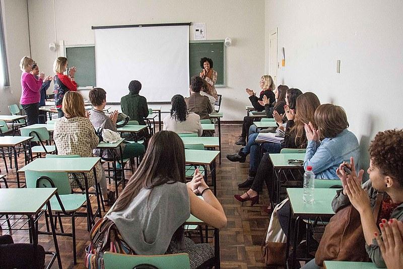 Fernanda Bueno pesquisou a hipersexualização, a invisibilidade e a subalternidade da mulher negra nas telenovelas