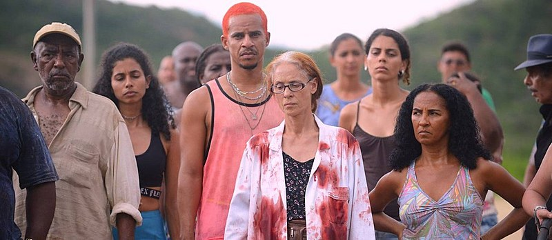 Filme de Kleber Mendonça Filho e Juliano Dornelles mostra reação de povoado do Nordeste à opressão