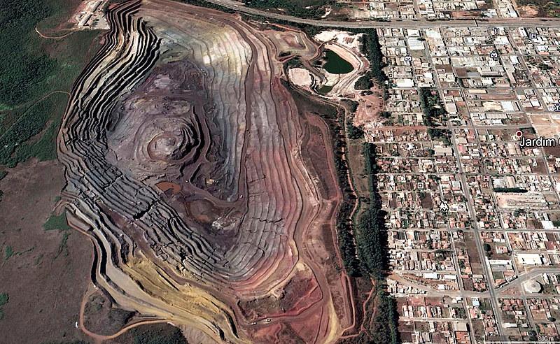Ambientalista afirma que todas as minerações têm sido autorizadas, ainda que os estudos mostrem prejuízos à população e ao ambiente
