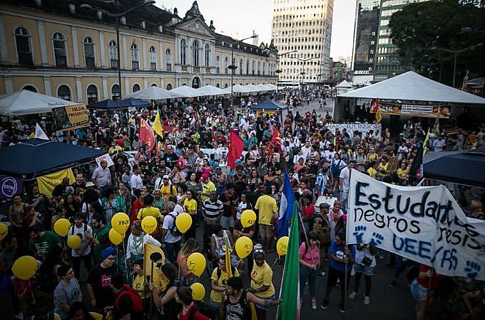 Concentração em frente ao Mercado Público, território negro da capital gáucha