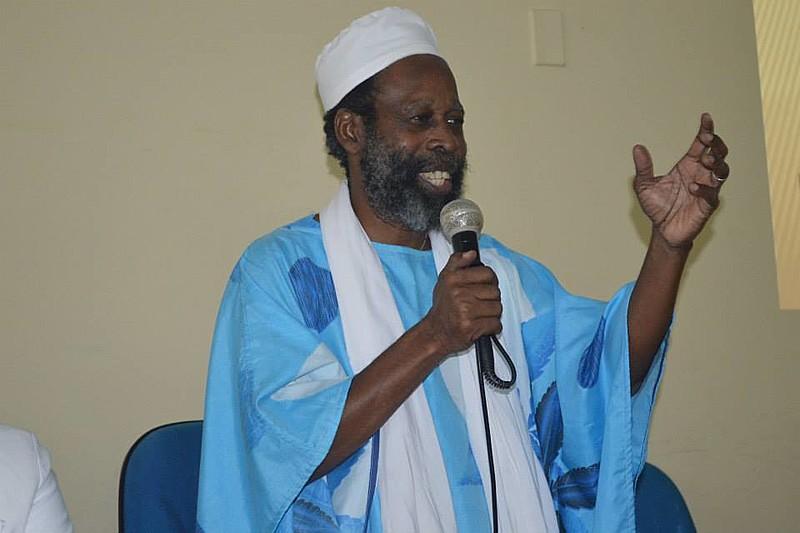 *Lepê Correia é escritor, poeta e Mestre em Literatura africana.