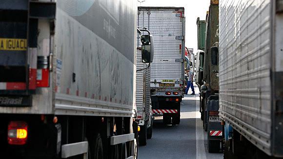 """""""Aqueles que detém o PIB brasileiro, os grandes embarcadores, a indústria e a agricultura não querem pagar"""", afirma sindicalista"""