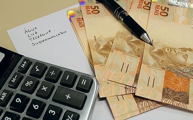Criado em 2011, cadastro positivo mede nível de endividamento do consumidor e abre dados para entidades bancárias e varejistas