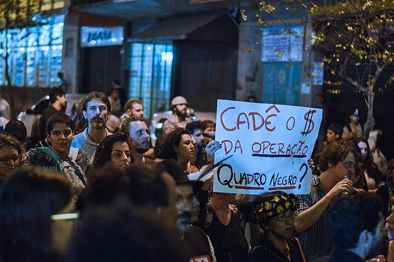 """""""Tudo isso para evitar que a população prestigie e se aproprie do seu teatro"""", disse Kennedy Piau Ferreira, professor da UEL"""