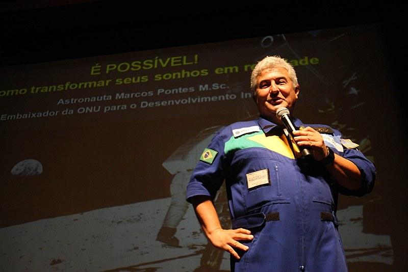 Marcos Pontes, da Ciência e Tecnologia, deixou serviço ativo da FAB um mês após realização de viagem espacial, aos 43 anos